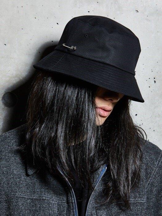 MCBRY BUCKET HAT