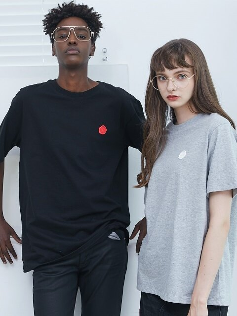 [SET] UNISEX ONE POINT BADGE TSHIRT 4COLORS