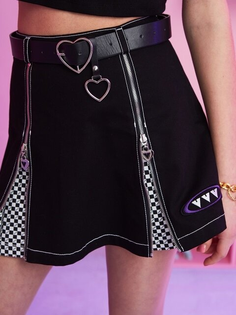 BLACK LOGO CHESS PLEATS SKIRT