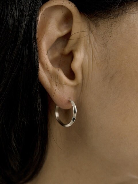 Line thin earring