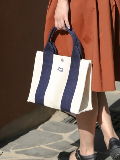 Small House Tote_Ecru/Navy