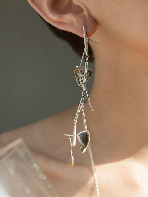 Silver mobile earring (S)