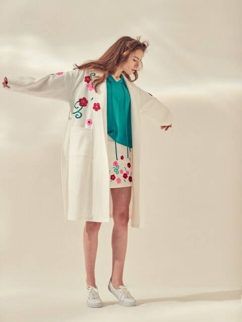 EMBROIDERY GOWN COAT - WHITE/BLUE