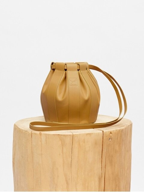 18SS LEATHER DRAWSTRING SMALL BAG - MUSTARD