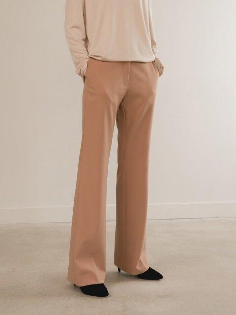 Semi-bootscut-beige