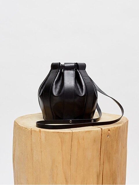 18SS LEATHER DRAWSTRING SMALL BAG - BLACK
