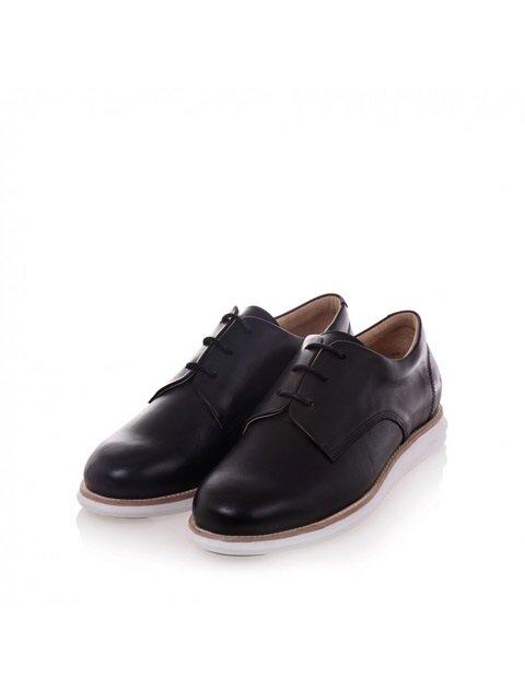 380g A black full grain leather