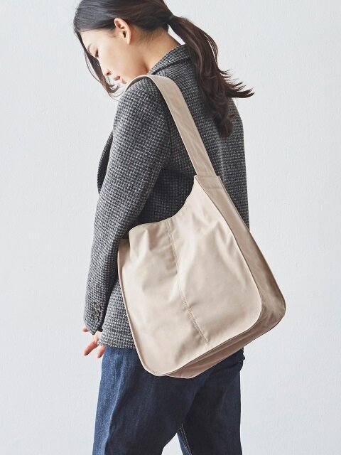 DAY ROUND HOBO (Beige)