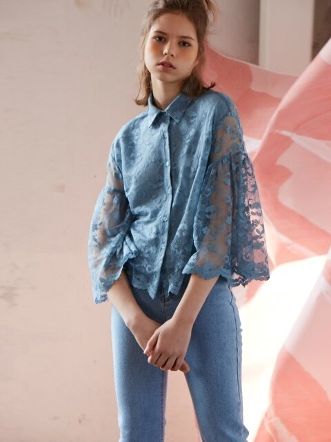 lace shirring blouse_blue