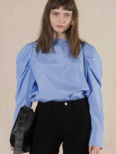 BOAT NECK PUFF BLOUSE (blue)