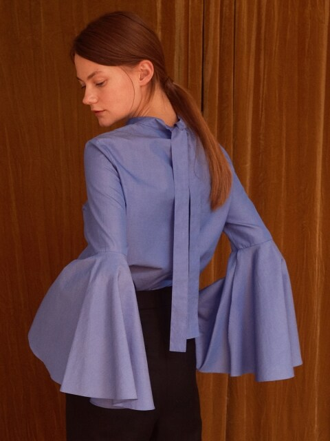 [FRONTROW x REJINA PYO] Tie-Back Bell Sleeved Blouse_Blue