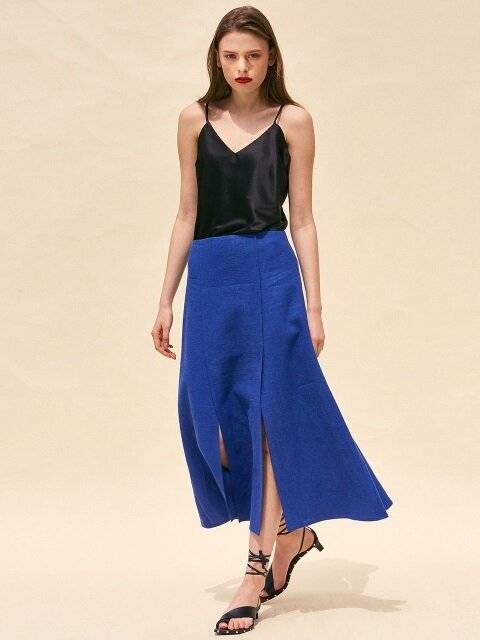 TWO SIDE SLITS MIDI SKIRT. BLUE LINEN