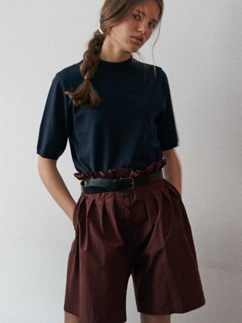 via RUE HIGH-WAIST HALF PANTS
