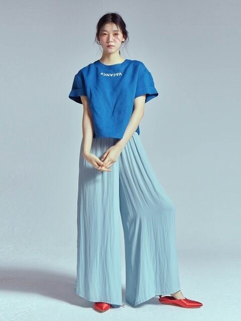 LINEN ROLL UP LETTERING BLOUSE [BLUE]