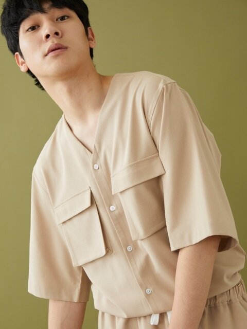 COLLARLESS V NECK SS SHIRT BEIGE