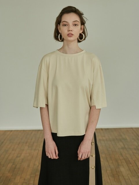 18SS UNBALANCE BASIC T-SHIRT CREAM