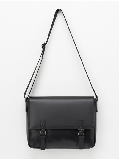 DOUBLE BELTED MESSENGERBAG