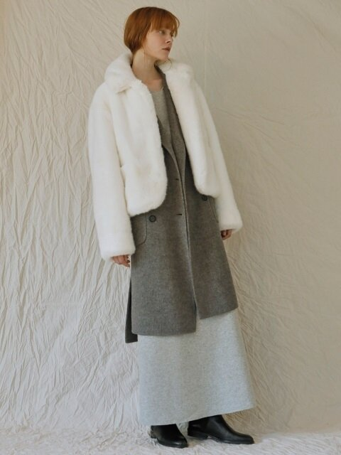 17FW FAKE FUR SHORT COAT / White