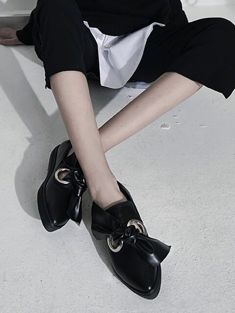 [MODERN LINE] Innocence Ornament Slip-On