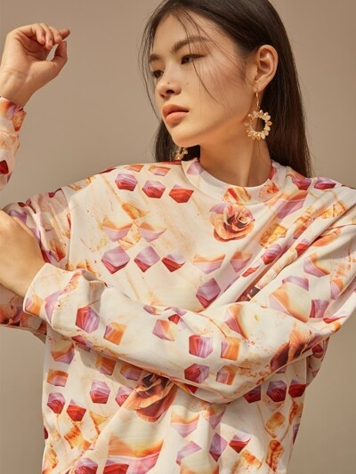 Orange cube flower volume sweatshirt
