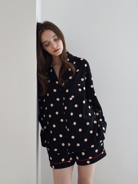 W Piped PJM Shirt _ Black dots