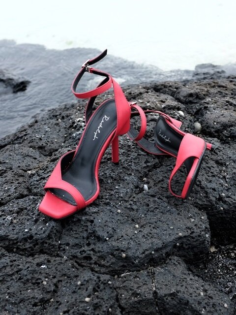 ASYMMETRY ANKLE STRAP 100 SANDALS IN RED LEATHER