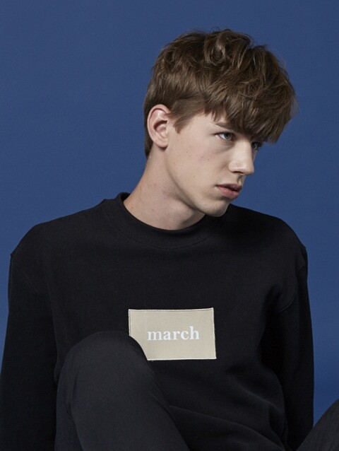 MARCH PATCH SWEATSHIRT (BK)