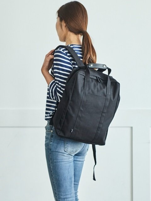 COMPACT TRUNK _ BACKPACK (Black)