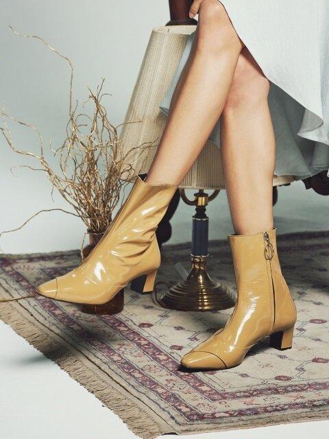 Rora mud beige patent boots 로라 머드베이지 페이던트 부츠