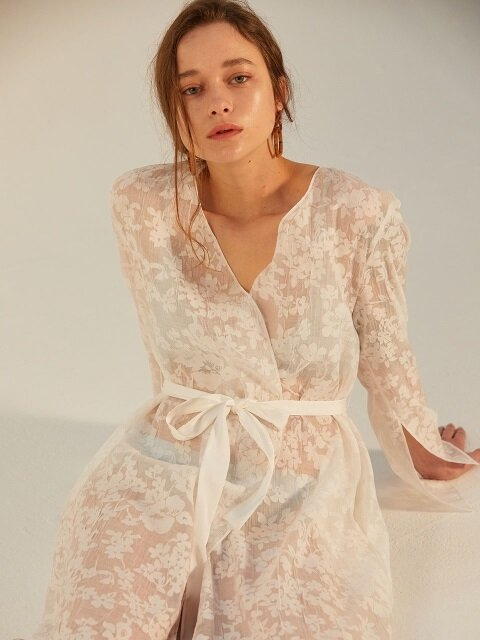 ORGANZA FLOWER LACE ROBE_WHITE