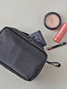 DAY MAKE-UP POUCH