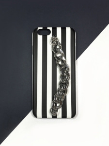 stripe chain case.