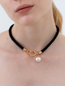 Big Pearl Rope Choker (2 colors)