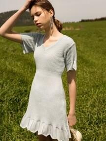monts696 v neck flared dress (pale blue)