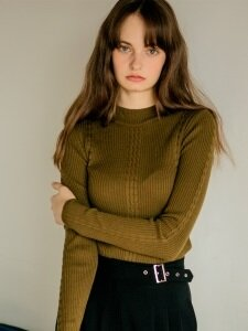 465 soft fitted knit khaki top