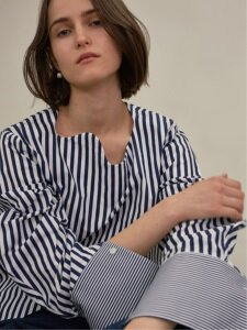 18SS STRIPE CURVED HEM BLOUSE