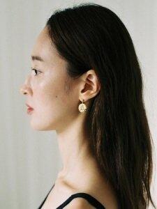 WOMAN DROP EARRING