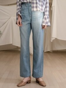 monts605 button wide jeans in light blue