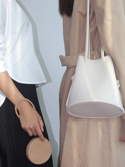 Leather Pipe Bag - Ivory