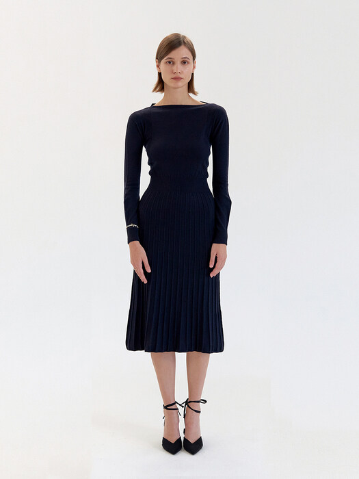 V Back Pleats Kint Dress - Navy