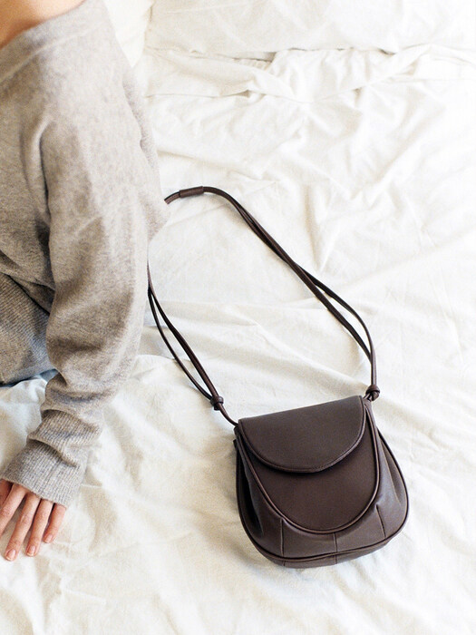 pebble bag brown