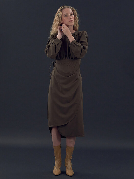 [EXCLUSIVE] 20FW LONG-SLEEVE WRAP DRESS (BROWN)