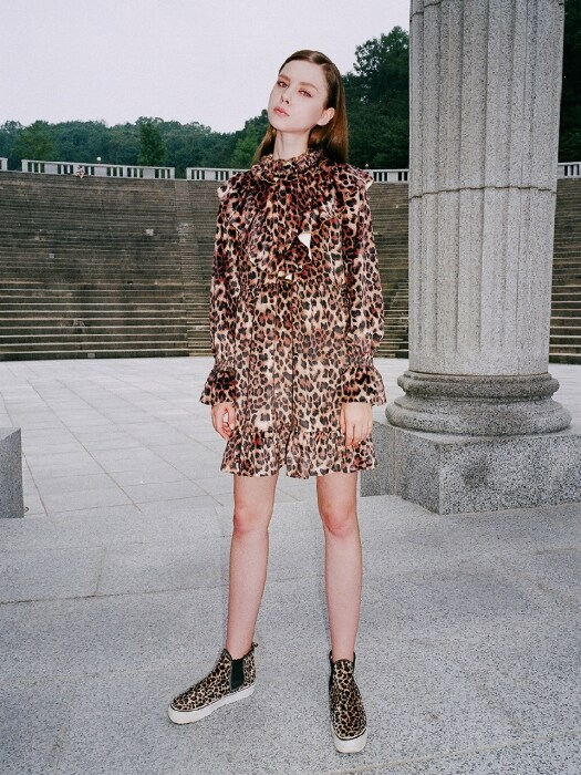 0 6 leopard velvet ruffle dress