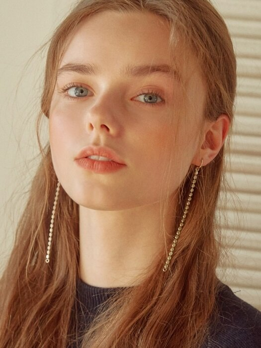 DC B CHAIN RING EARRINGS (GOLD)