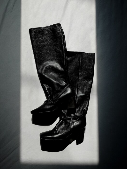 Squareline Straight Boots_19bk