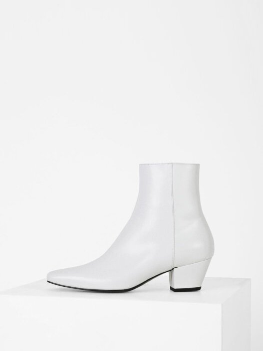 SLIM LINE ANKLE BOOTS - WHITE