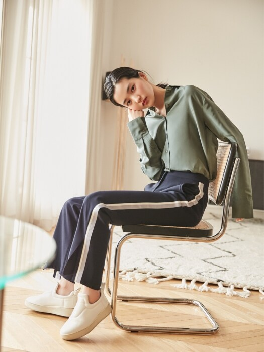[Drama Light] Relax Fit Track Pants