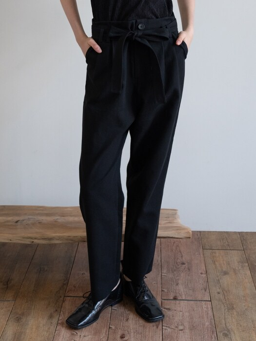 19FW BELTED COTTON TROUSERS (BLACK)