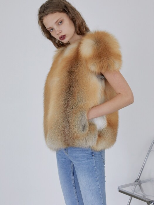 GOLD FOX FUR VEST