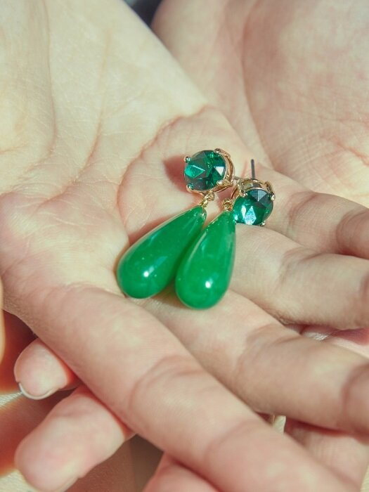 JADE WD DROP EARRINGS